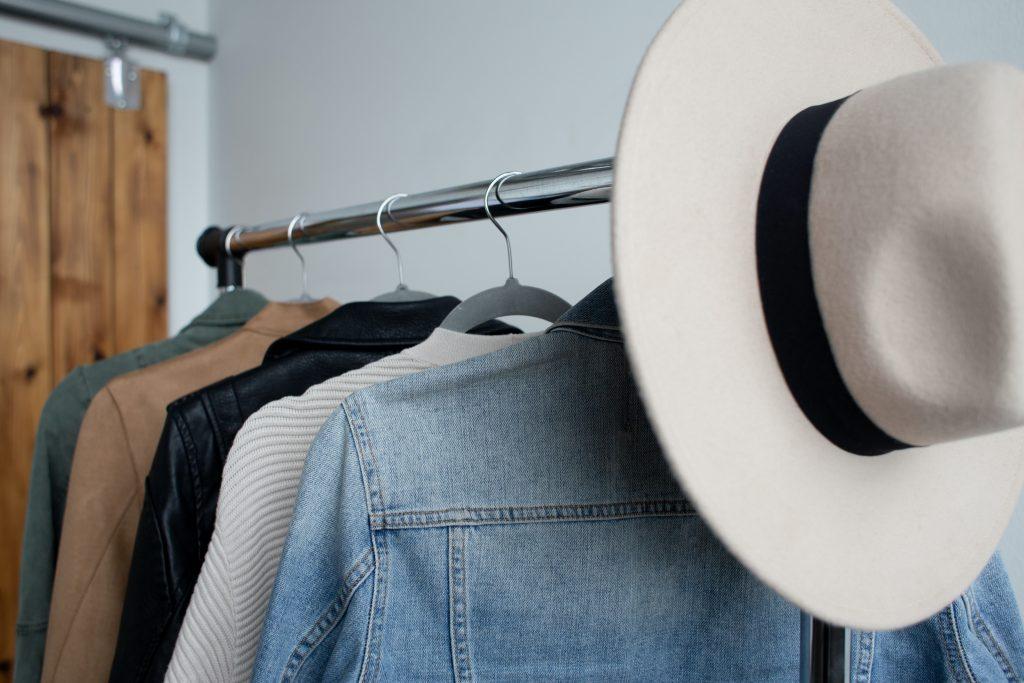 Minimalist Clothing For The P\erfect Minimalist Year-Round Capsule Wardrobe