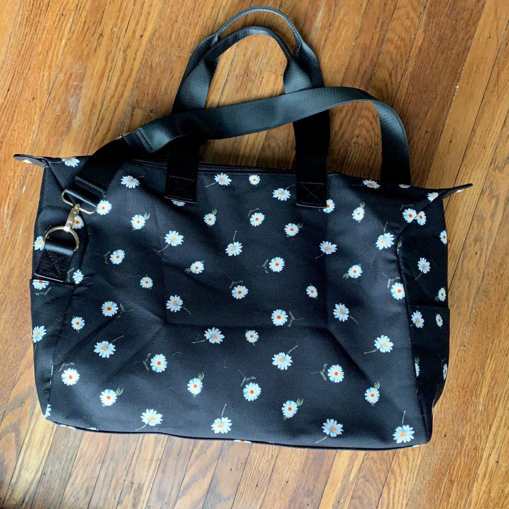 Black Duffel Bag With White Daisy's - FabFitFun Review