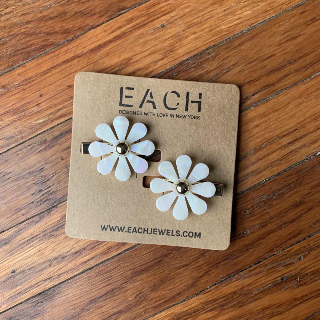 Two hair clips with white daisies - FabFitFun